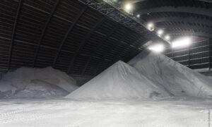 50 tysięcy ton soli i 2000 ciężarówek tylko w jednym miesiącu