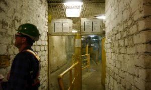 46-letni górnik stracił przytomność wyjeżdżając klatką. Niestety zmarł