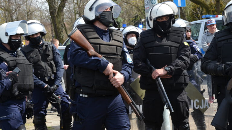 Polaku dawaj z nami – protest w Głogowie (ZDJĘCIA)