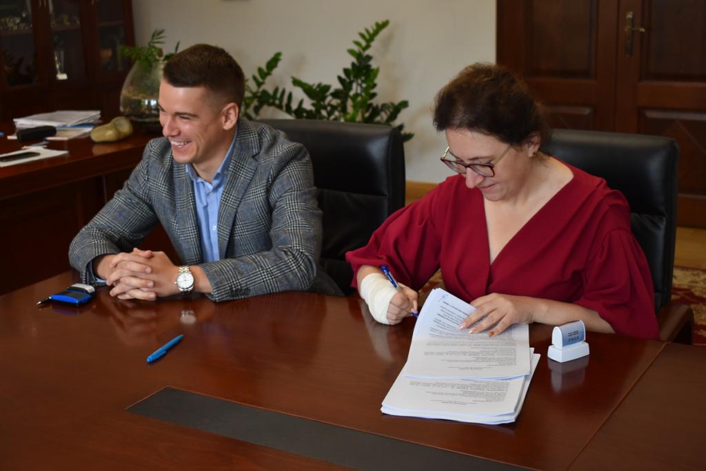 Podpisanie umowy gaworzyce kłobuczyn