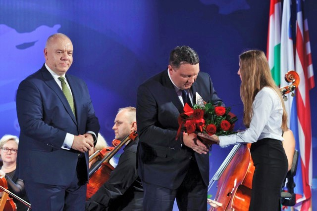 kghm_z_nagroda_firma_roku_forum_ekonomicznego_w_karpaczu_3_